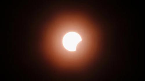 日食来了!6月10日芝加哥地区可观测到部分日食