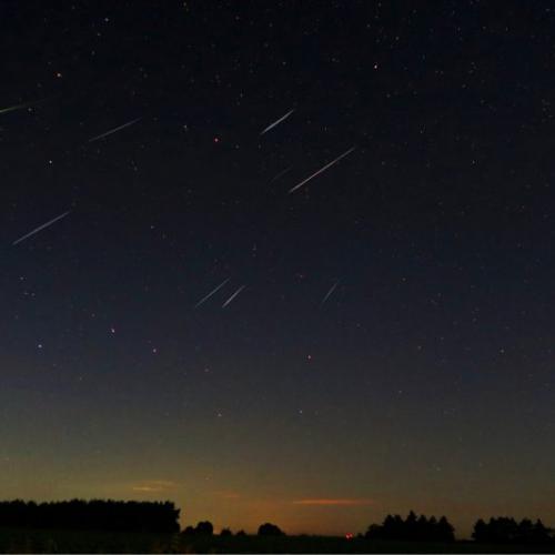 今夜无人入睡:一起来看英仙座流星雨吧!