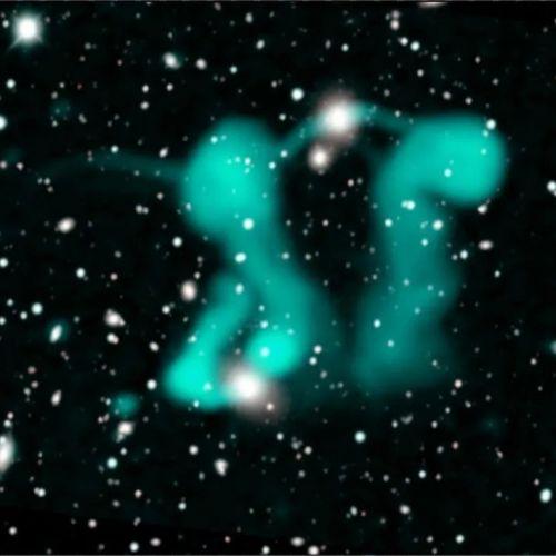 """胆小慎入!宇宙深处有一对儿""""鬼魂""""在跳舞"""