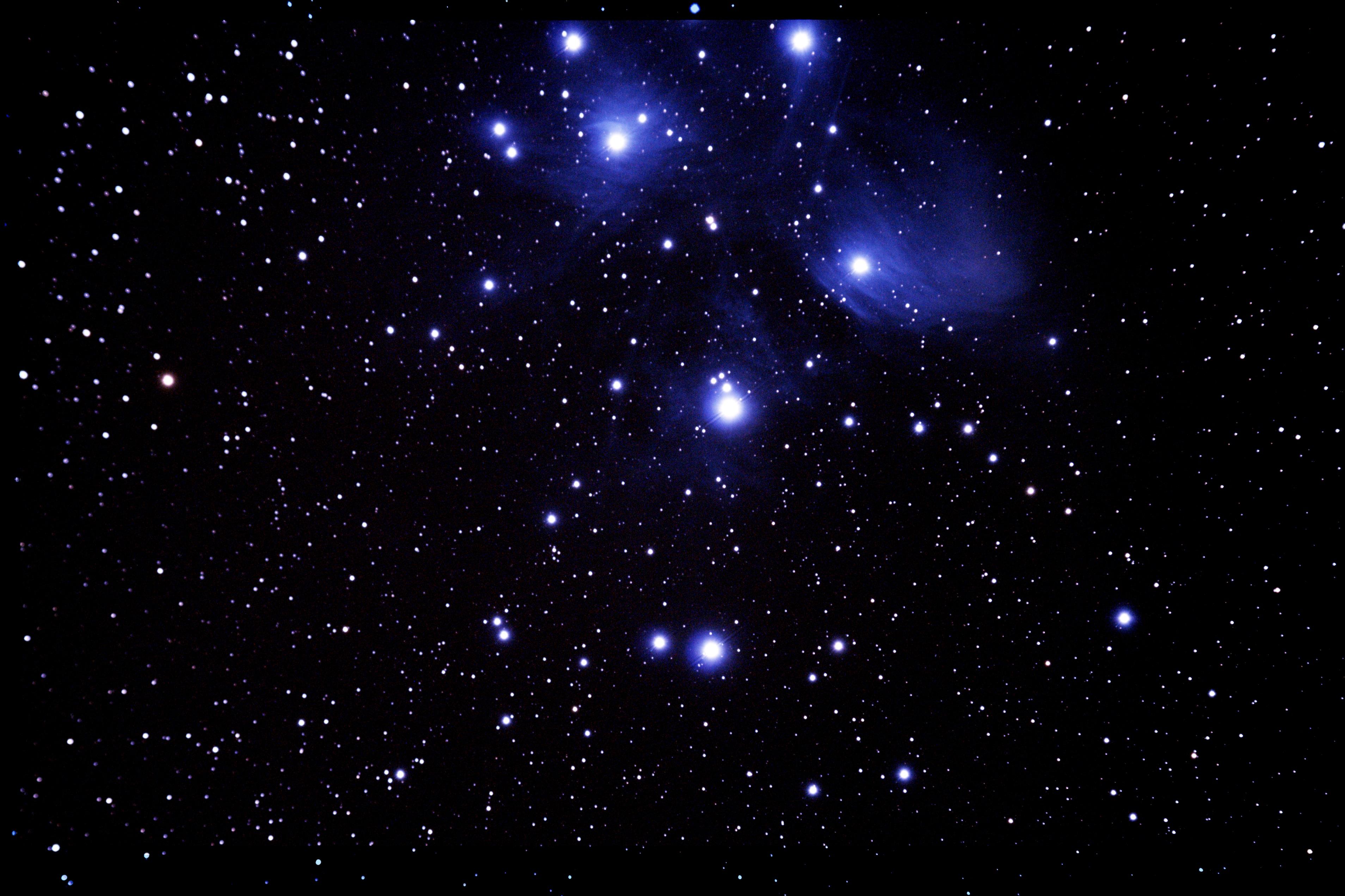 M45 昴星团.jpg