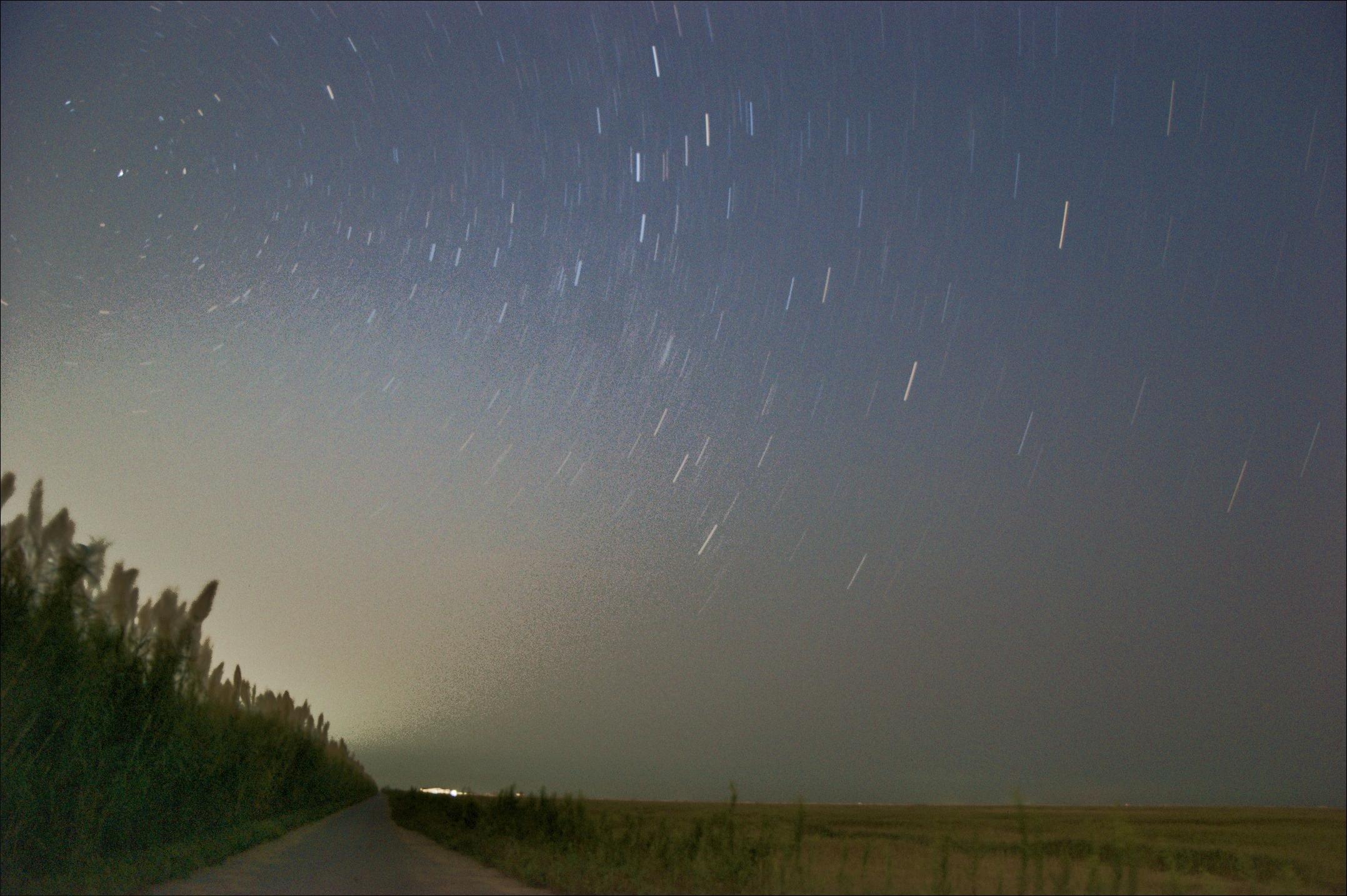 10月3日在东滩拍的星轨