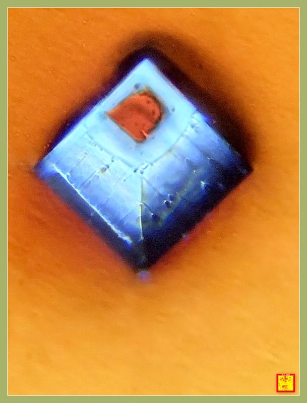 显微放大150倍摄影—小盐粒。