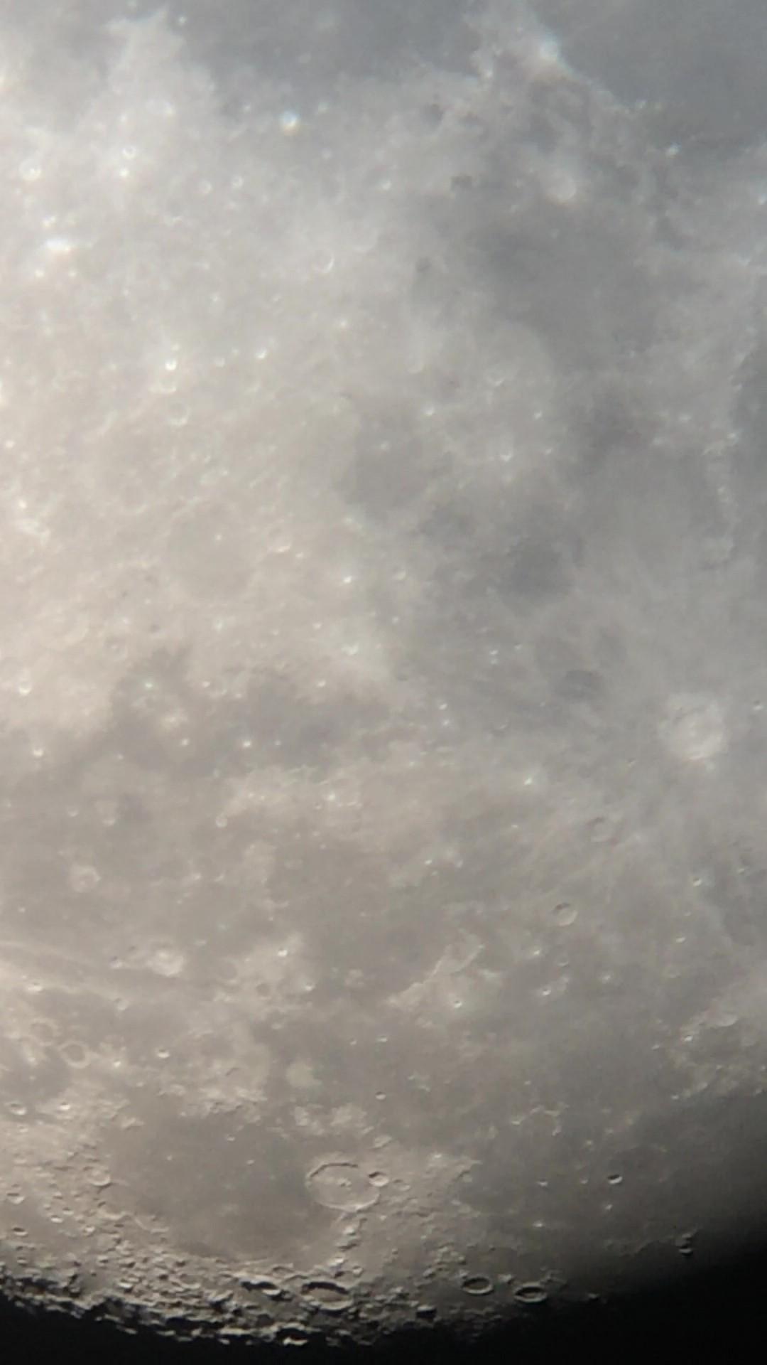 月球局部之二