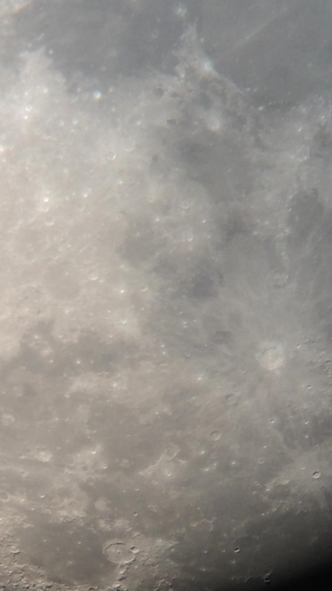 月球局部之一