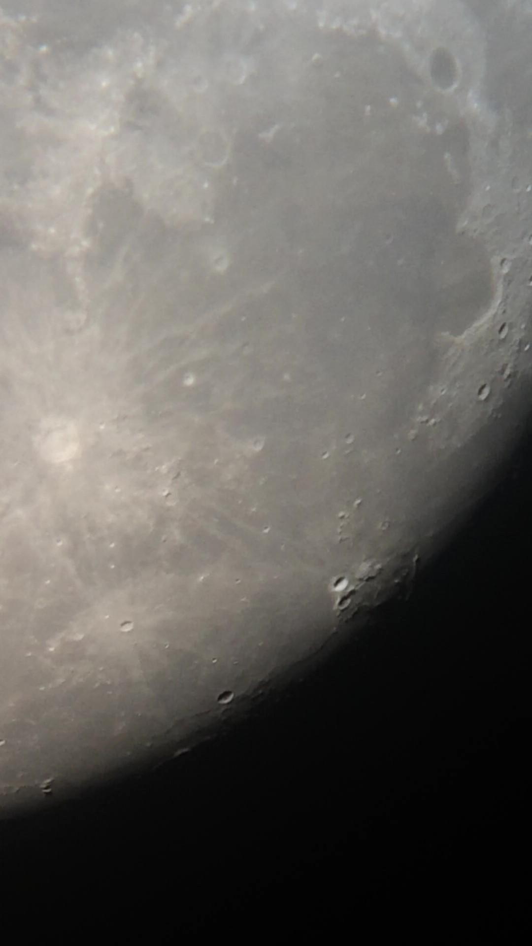 月球局部之三