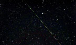 10.28 M3彗星与猎户座流星同框